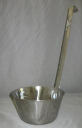 STAINLESS STEEL DIPPER 32 oz.