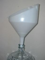 Anti-Splash Funnel With Strainer